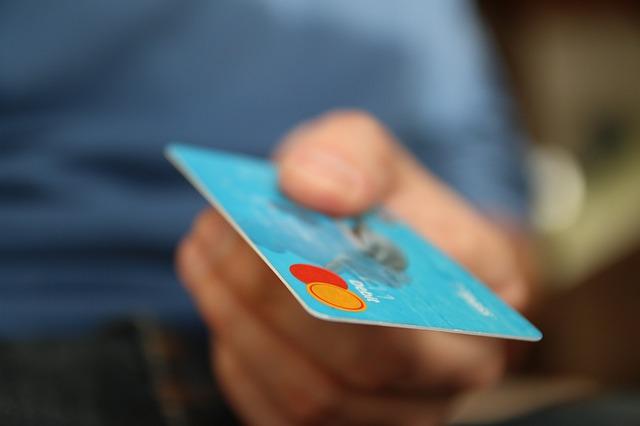 Gunakan Kartu Kredit secara wajar