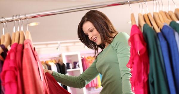 Selain menambah stok baju, beli baju baru juga bisa membuatmu lebih nyaman ke kampus.