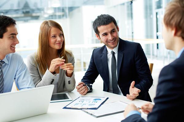 Kemampuan komunikasi yang baik sangat berguna untuk menjalin hubungan yang baik dengan rekan kerja. (via: Lifestyle - Bisnis.com)