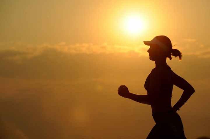 Olahraga akan membantu kamu menjadi lebih sehat.